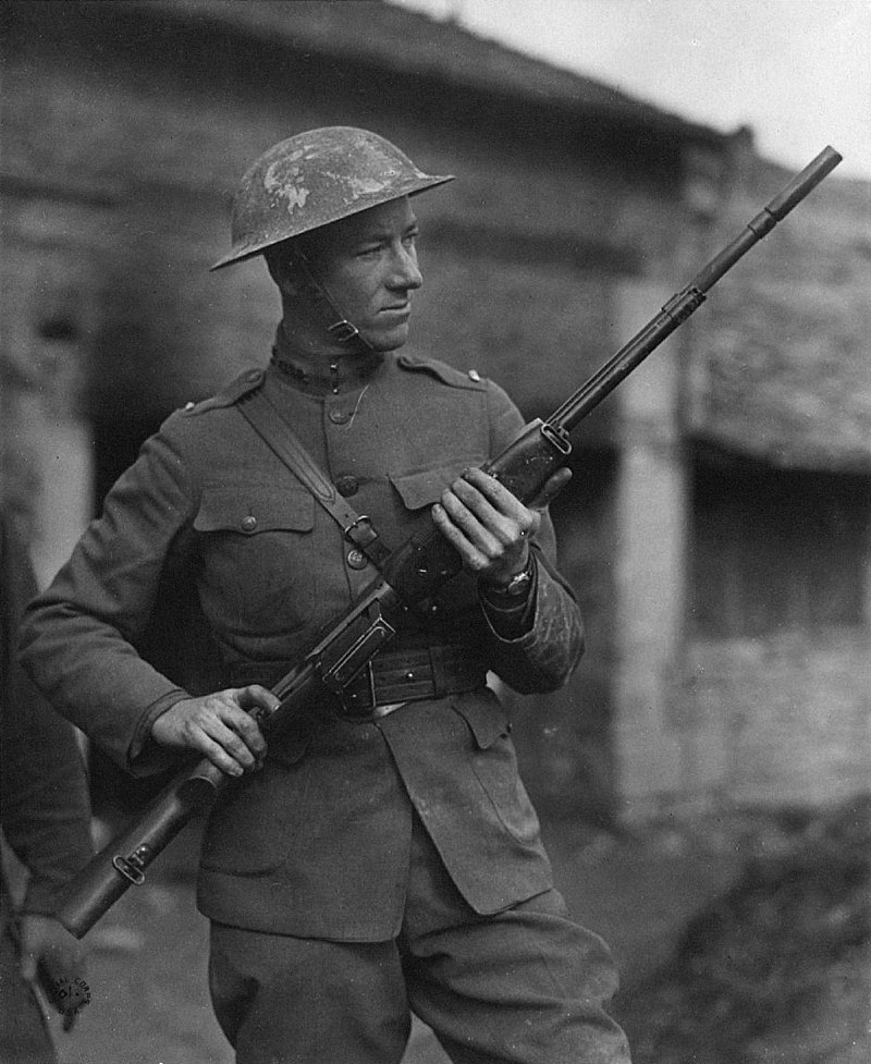 2nd Lt. Val Browning holds a BAR during WWI.
